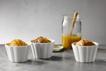 Amandelcake met een gezouten karamel van maple syrup