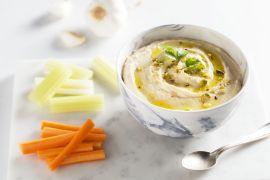 Foto van Hummus met rauwe groenten