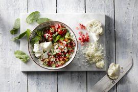 Foto van Bloemkoolcouscous met groentjes en feta
