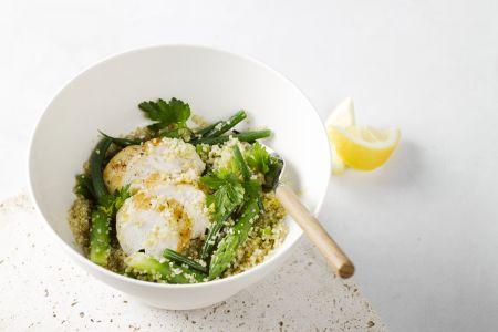 Kipfilet met quinoa, groene asperges en sperziebonen
