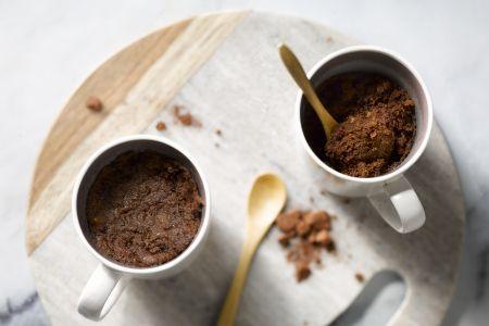 Chocolade-pinda mugcake
