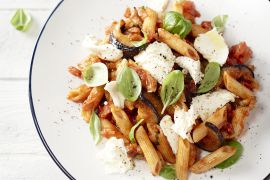 Foto van Penne met aubergine en mozzarella