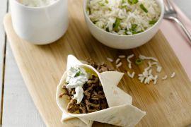 Foto van Mexicaanse taco's met komkommersalsa