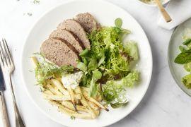 Foto van Gehaktbrood met pastinaakfrietjes