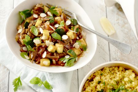 Tajine met gehakt, courgette en couscous