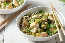 Foto van Pittige Thaise noedelsoep met kip