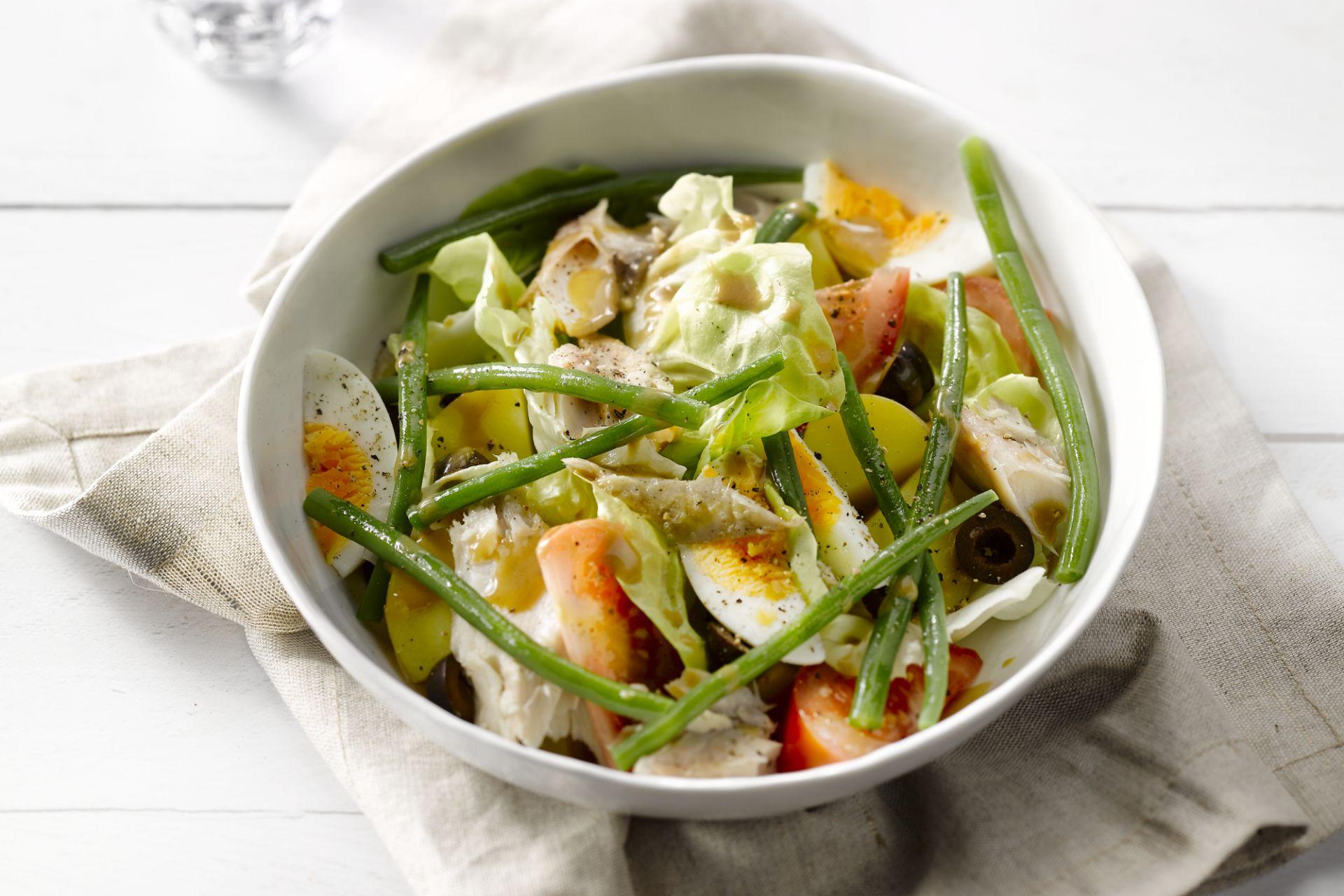 Salade Niçoise met gerookte makreel