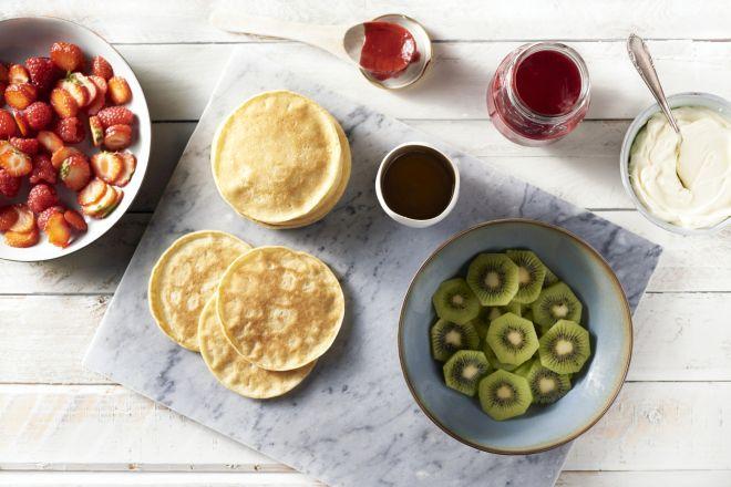 Kleine pannenkoekjes met vers fruit