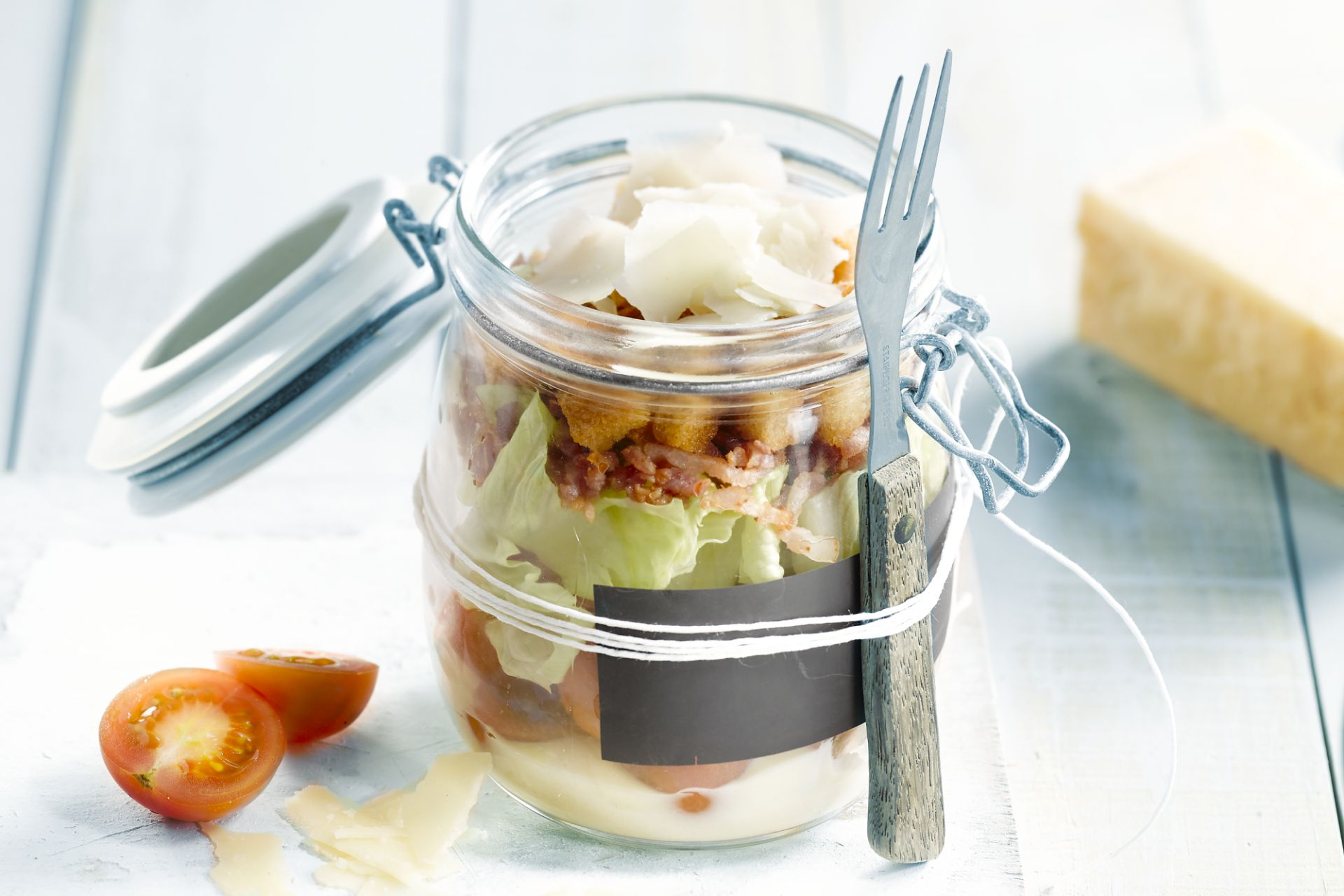 Caesar salad in een bokaal