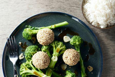 Oosterse gehaktballetjes met broccolini