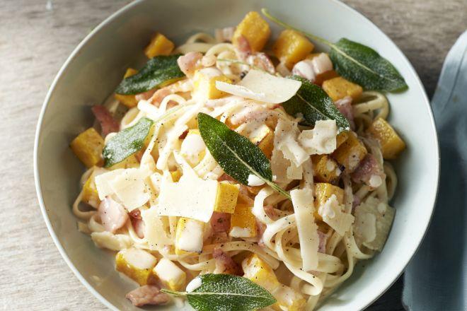 Pasta carbonara met geroosterde pompoen