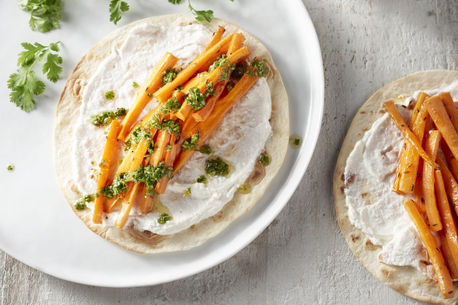 Wraps met wortel, ricotta en koriandersalsa