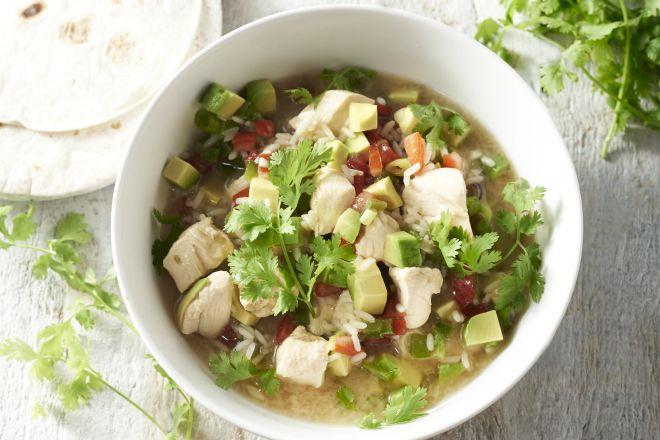 Mexicaanse maaltijdsoep met kip en rijst