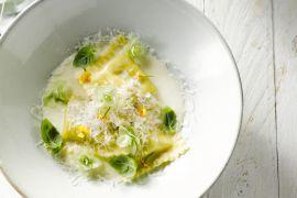 Foto van Verse ravioli met wilde champignons en geitenkaas met limoncellosaus