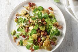 Foto van Lauwe salade van spruitjes met spekjes
