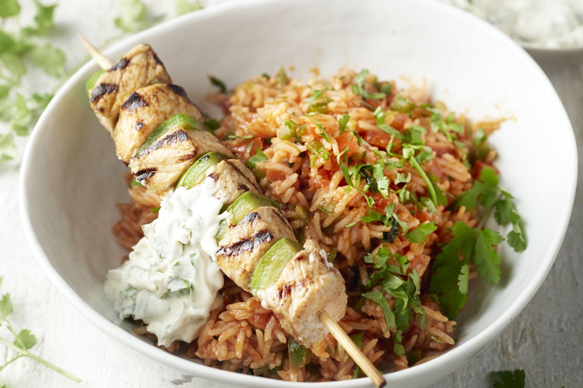 Mexicaanse rijst met varkenssatés