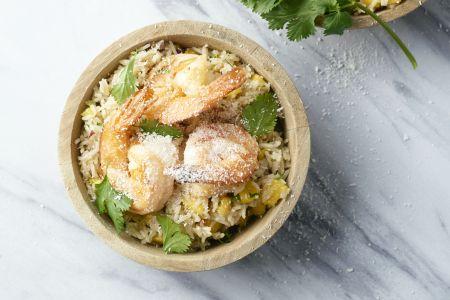 Pittige rijstsalade met scampi en mango