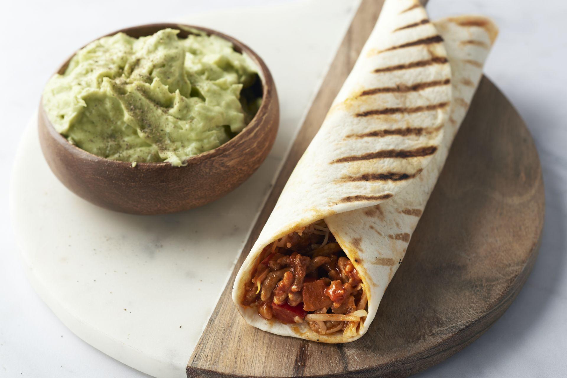 Burrito's met kippengehakt en guacamole