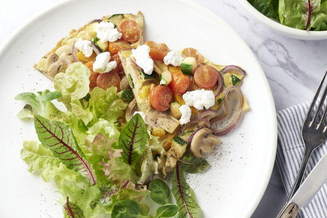Omelet met regenbooggroenten en geitenkaas