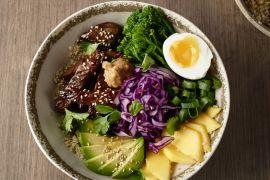 Foto van Koreaanse barbecue bowl (bulgogi)