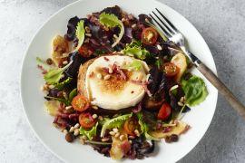 Foto van Salade van geitenkaas, spekjes en appel