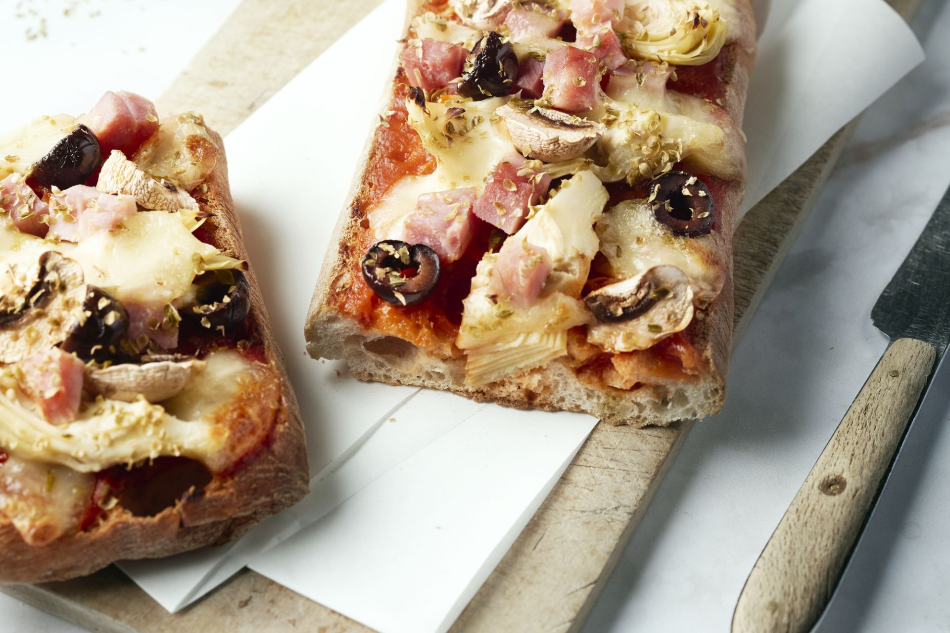 Pizza baguette Capricciosa