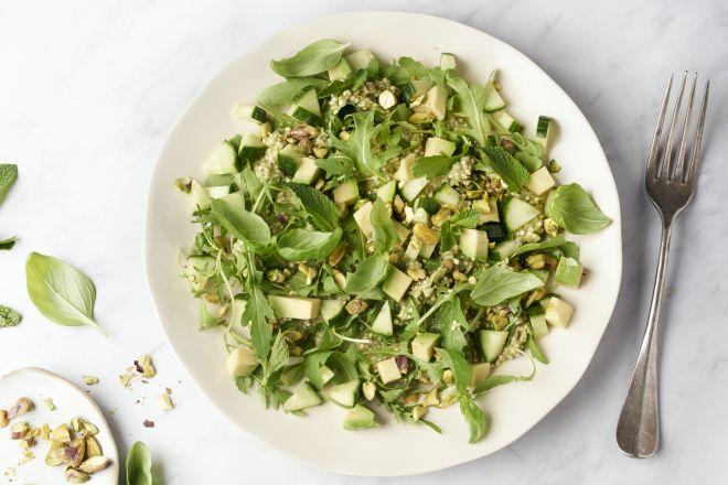 Green goddess salade met quinoa en avocadopesto