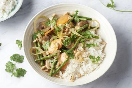 Veggie massaman curry met ovengroentjes