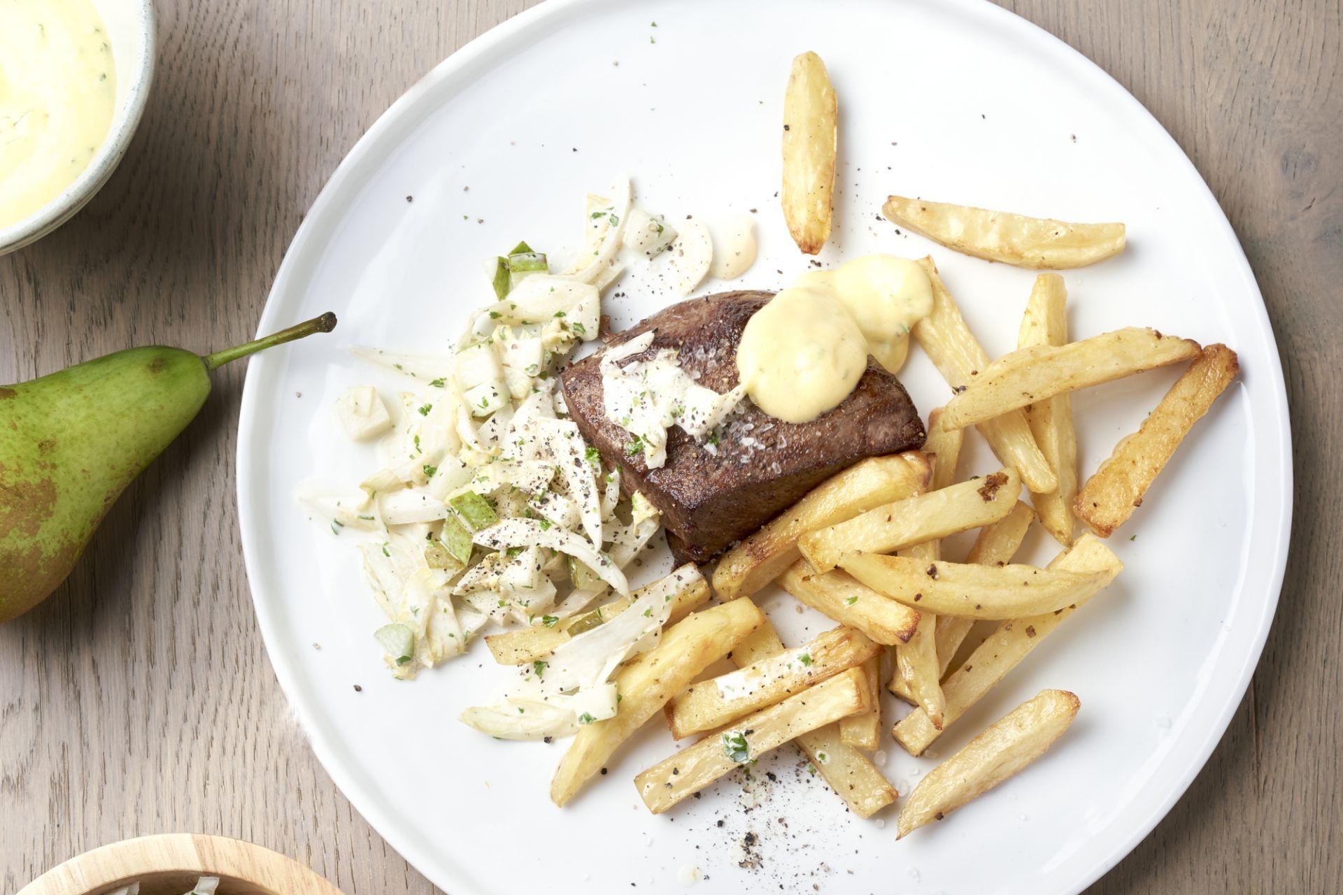Steak bearnaise en witloofslaatje