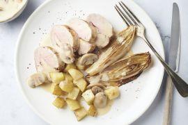 Foto van Gevuld varkenshaasje met champignonsaus en gebakken witloof