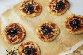 Foto van Halloween mini-pizza's