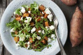 Foto van Maaltijdsalade met zoete aardappel, linzen en feta