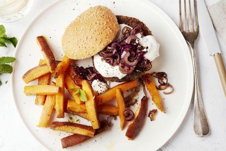 Za'atar linzenburgers met zoete aardappelfrietjes