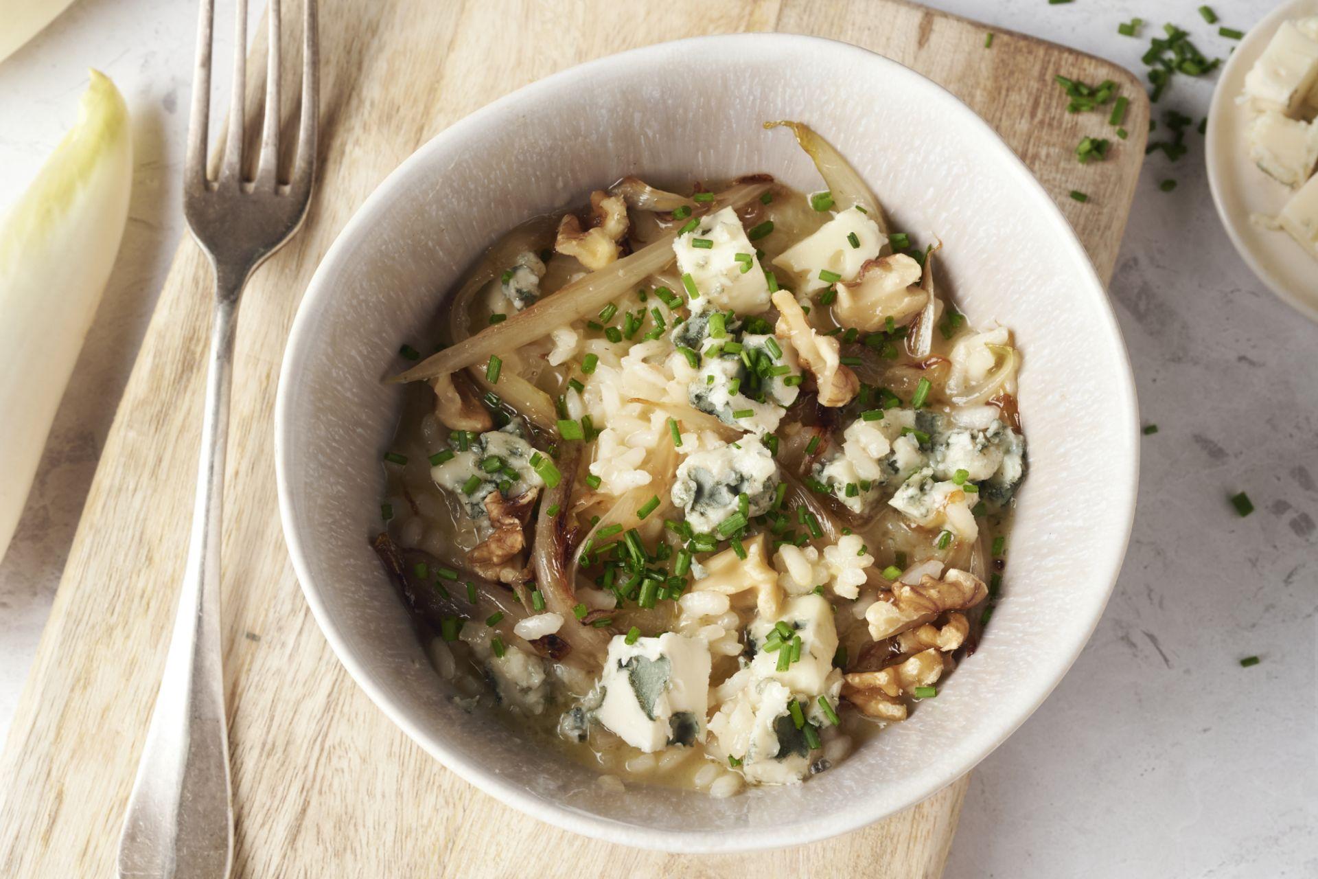 Witloofrisotto met walnoten en blauwe kaas