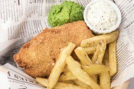 Foto van Fish & chips met erwtenpuree