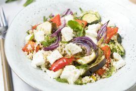 Foto van Tabouleh met geroosterde groenten en feta