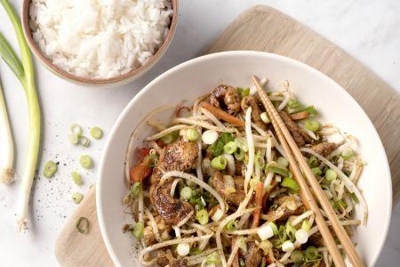 Varkensreepjes teriyaki met rijst en krokante groenten