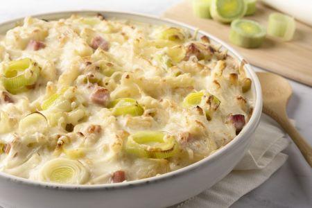 Macaroni met prei, kaas en ham