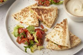 Foto van Veggie quesadilla's met kerstomatensalsa