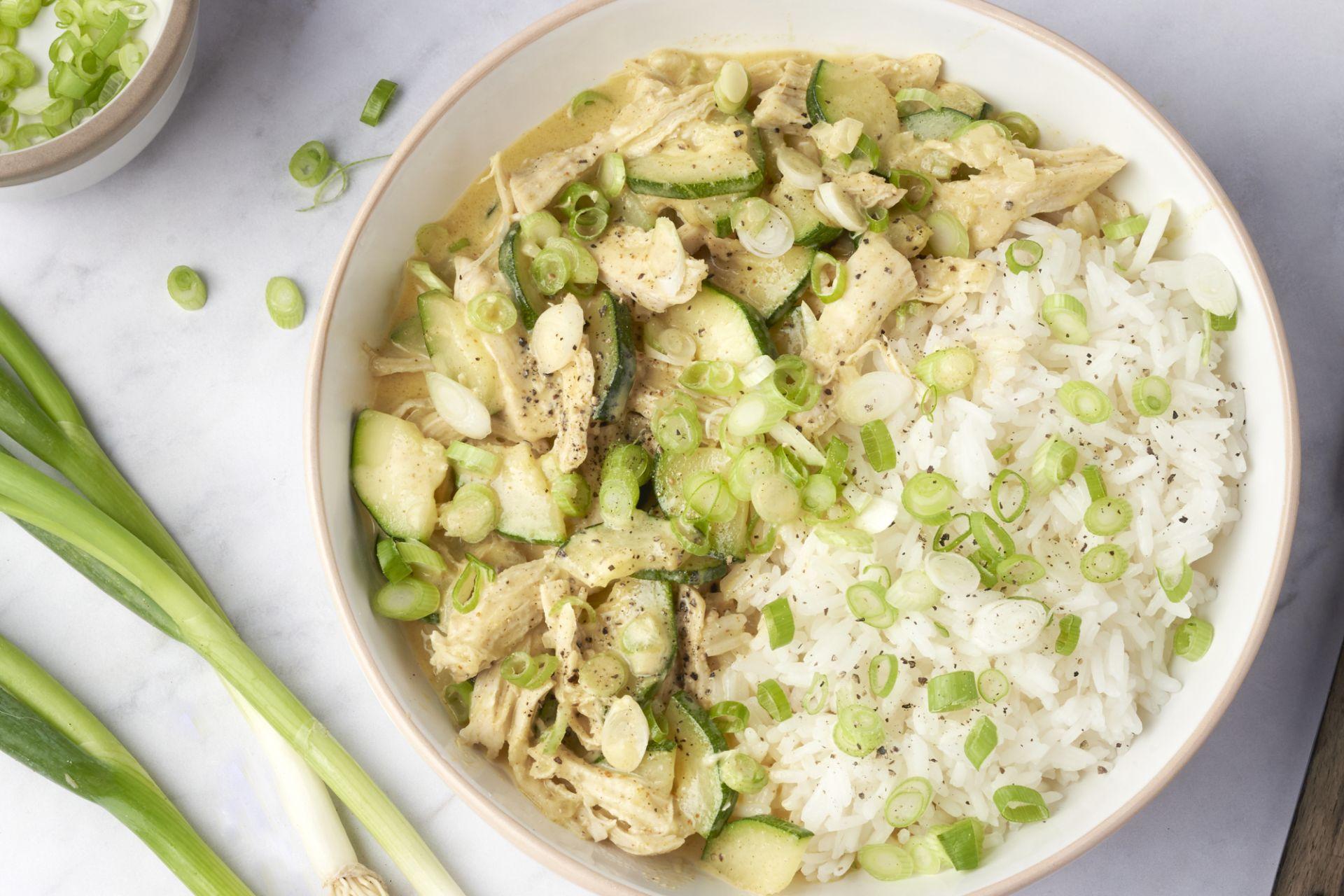 Pulled chicken tandoori met rijst en courgette