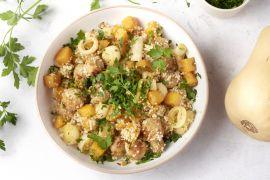 Foto van Couscous met kalkoenworst en pompoen