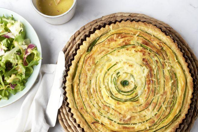 Spiraalquiche met groenten en kaas