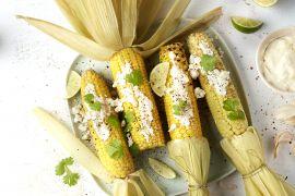 Foto van Mexicaanse street food maïs