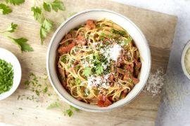 Foto van Spaghetti carbonara rosso
