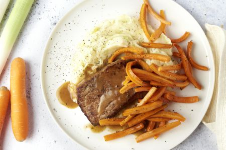 Steak met preipuree en honingworteltjes