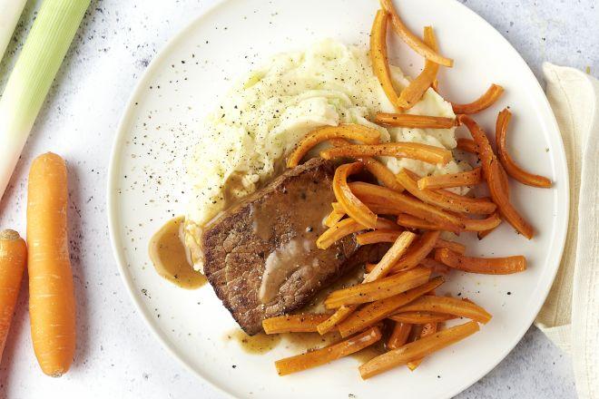 Steak met preipuree en honingworteltjes