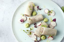 Foto van Cannelloni van rammenas met tonijn en avocadocrème