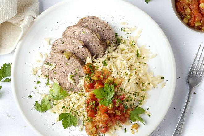 Zuiders gehaktbroodje met Provencaalse saus en orzo