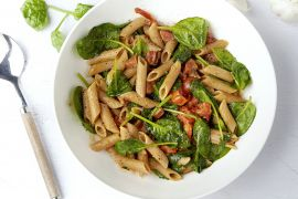 Foto van One pot pasta met chorizo, kerstomaatjes en spinazie