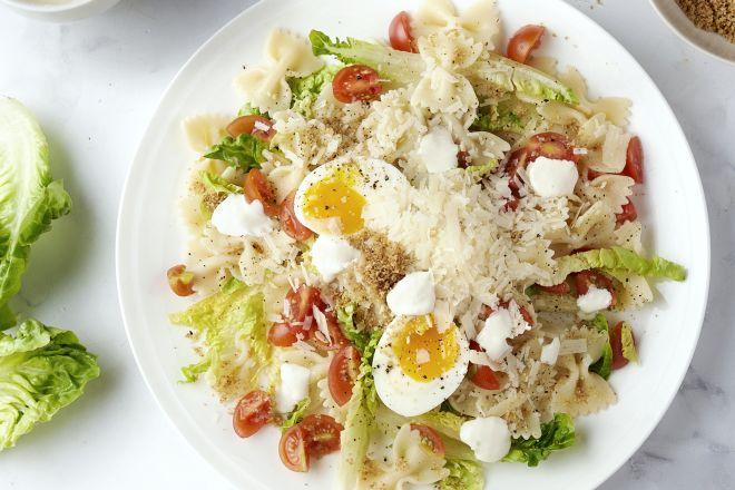 Caesar pastasalade met kip